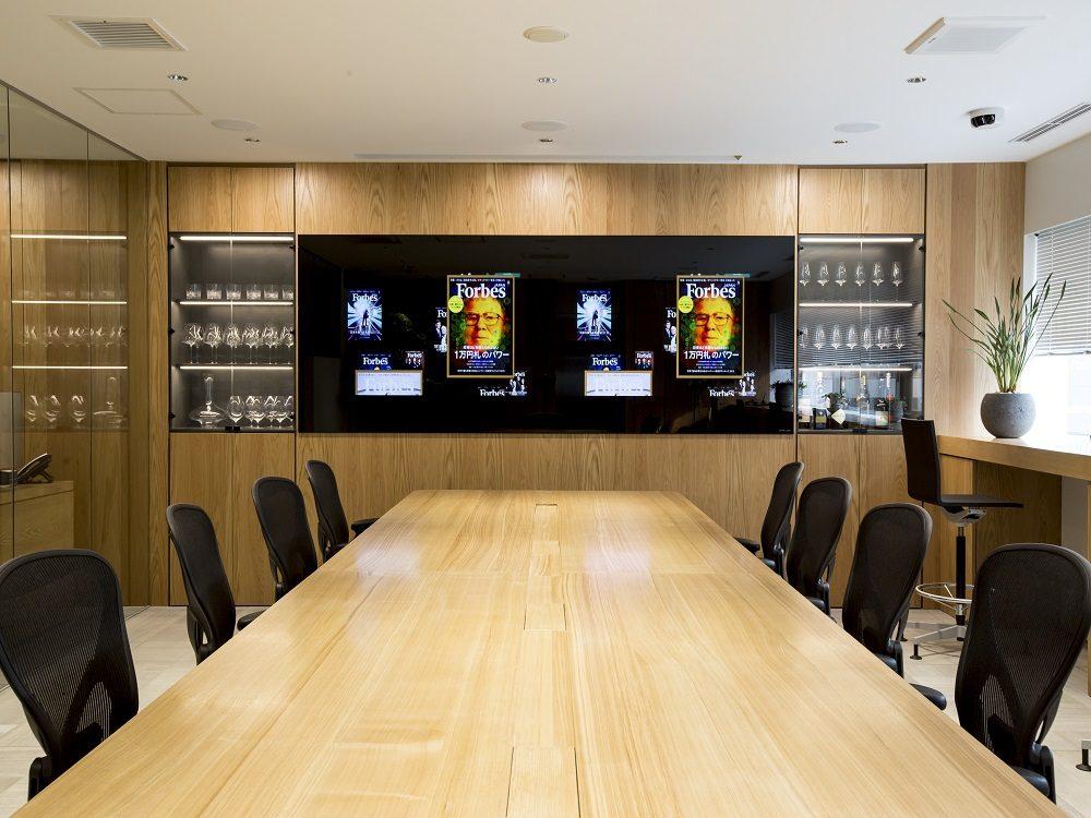フォーブスジャパンのオフィスデザインと内装工事